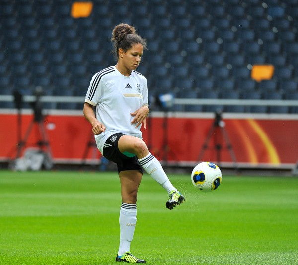 Celia Sasic is na topschutster op het WK 2015 nu ook nog winnares van de UEFA Best Women's Player in Europe Award 2014/15 - Photo David Catry