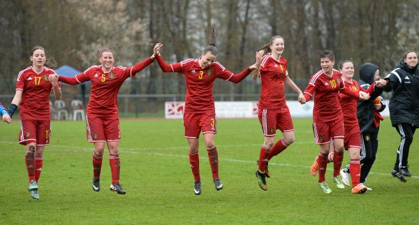 20150404 - FORST , GERMANY : Belgium pictured celebrating the the 1-0 win over Ukraine after the soccer match between Women Under 19 teams of Belgium and Ukraine , on the first matchday in group 5 of the UEFA Elite Round Women Under 19 at WaldseeStadion , Forst , Germany . Saturday 4th April 2015 . PHOTO DAVID CATRY