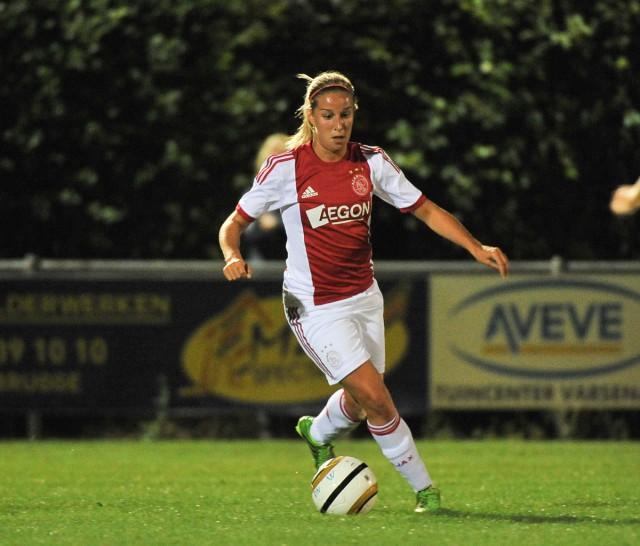 De ingevallen Mandy Versteegt scoorde het winnende doelpunt voor Ajax tegen PEC Zwolle. Foto - David Catry