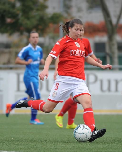 Sanne Schoenmakers zette Standard met haar vierde doelpunt van het seizoen op weg naar de overwinning tegen KAA Gent Ladies. Foto - Dirk Vuylsteke