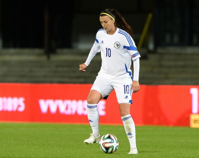 Alisa Spahic zorgde voor de assist bij het Bosnische doelpunt op bezoek in Servië! Foto - David Catry