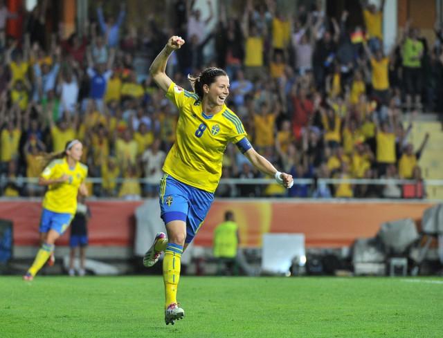 Lotta Schelin net na de rust succesvol voor Zweden in het oefenduel tegen Schotland! Foto - David Catry