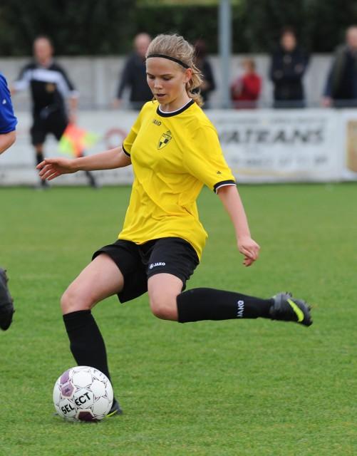 Yenthe Kerckhofs kopte haar allereerste goal in de Super League tegen de netten op bezoek bij OH Leuven! Foto - Dirk Vuylsteke