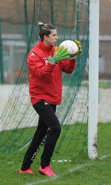Katinka Smits, de doelvrouw van KV Mechelen Dames, stopte een strafschop van Strijland Gooik. Foto - Dirk Vuylsteke