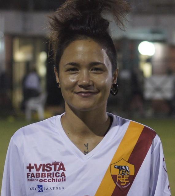 Riana Nainggolan in de kleuren van Res Roma! Foto - (c) RES Roma