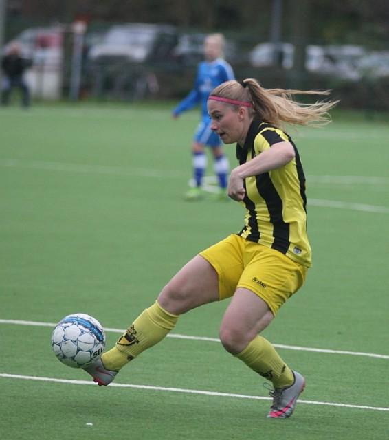 Jana Coryn lukte 2 goals voor Lierse op bezoek bij KSK Heist en is dus na de reguliere competitie co-topschutter in de Super League! Foto - Paul DIjkmans