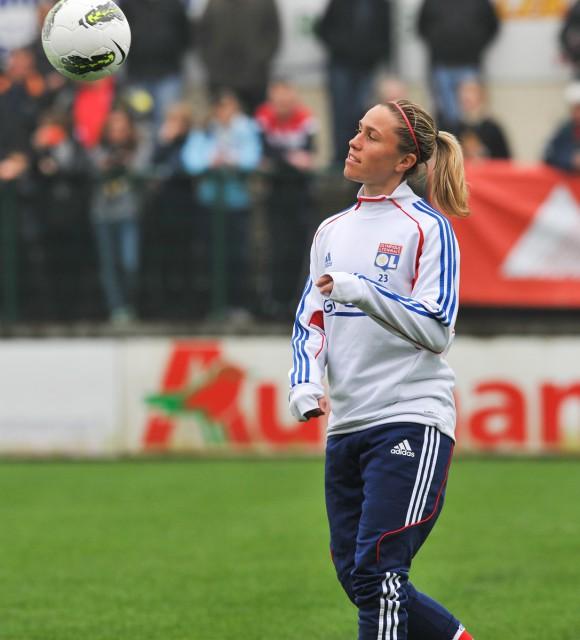 Frans international Camille Abily scoorde uit vrije trap en met een omhaal in de UWCL! Foto - Joke Vuylsteke