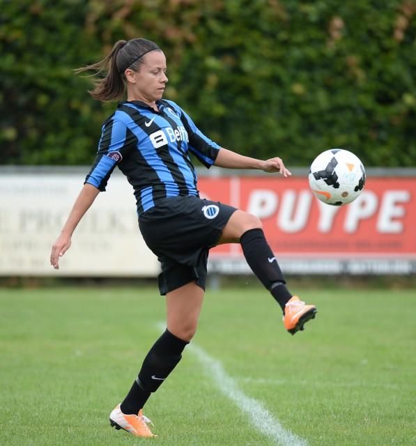 Kay Cuvelier lukte een van de doelpunten van vrouwelijk blauw-zwart tegen het beloftenteam van SV Zulte Waregem! Foto - David Catry