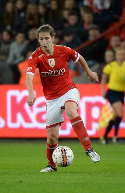 Sanne Schoenmakers scoorde 4 keer voor Standard op bezoek bij OH Leuven waaronder een unieke goal van bij de aftrap! Foto - Dirk Vuylsteke