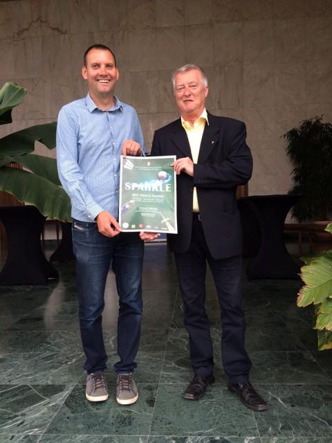 Arne Deblauwe, de schepen van Sport van de stad Oostende, met voorzitter BBFFplayer vzw Rudy Benthein! Foto - (c) Sportdienst Stad Oostende!