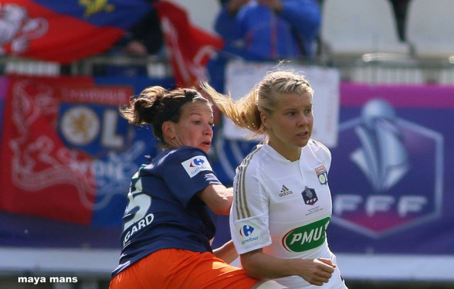 Laura Agard (Montpellier) en Ada Hegerberg (Lyon) in volle concentratie! Foto - (c) Maya Mans