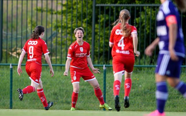 Aline Zeler juicht na het vroege openingsdoelpunt in Tubeke tegen haar ex-club RSC Anderlecht! Foto - Sportpix.be/David Catry