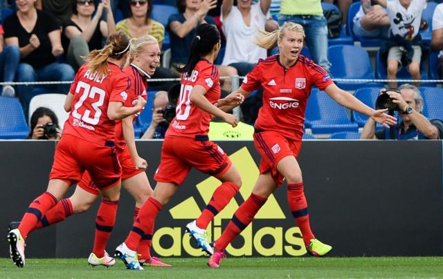 Ada Hegerberg en Lyon juichen na het openingsdoelpunt in de UWCL-finale 2016 tegen VfL Wolfsburg! Foto - Sportpix.be/David Catry