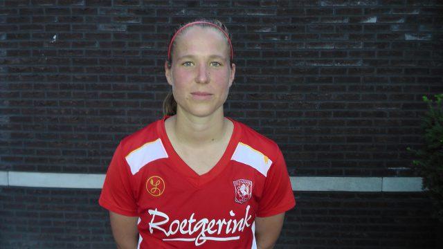Lenie Onzia in het shirt van FC Twente! -$ Foto - (c) Vrouwenteam.be / /MaMPict