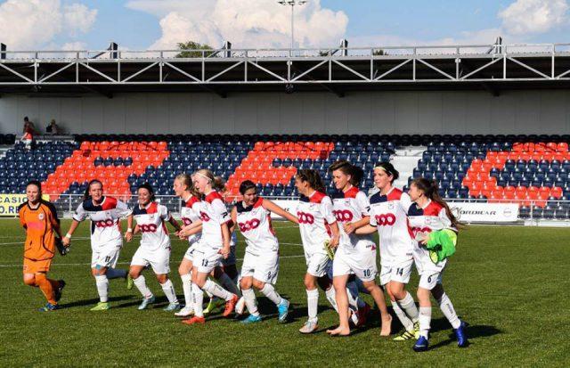 De Luikse meisjes juichen na de overwinning! Foto - (c) Marie RG /RFC de Liège