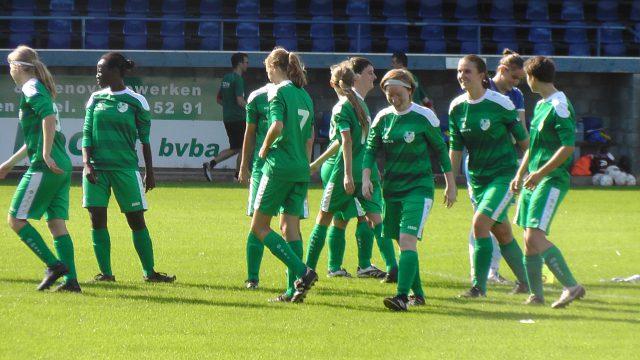 Maria-ter-Heide voor aanvang van de derby op bezoek bij Wuustwezel! Foto - (c) Vrouwenteam.be / MaMPict
