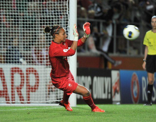 Sarah Bouhaddi, keeper van het jaar voor de IFFHS! - Foto (c) Sportpix.be / David Catry
